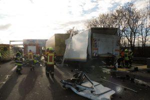 Verkehrsunfall_A99_Feuerwehr_Kirchheim_14122016_08