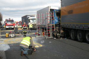 Verkehrsunfall_A99_Feuerwehr_Kirchheim_14122016_11